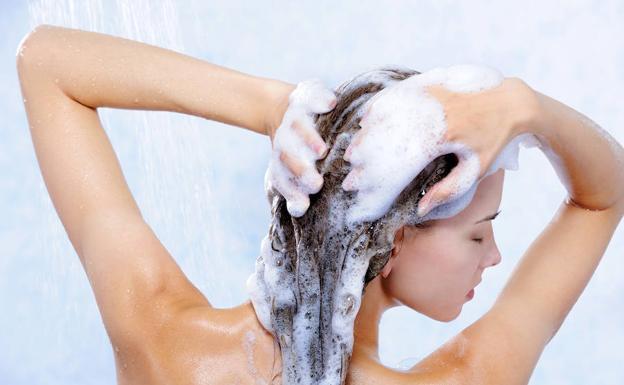 champu-sulfatos-lavar-pelo